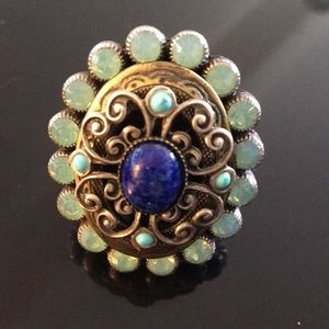 Jewelry - Large turquoise ring with blue center